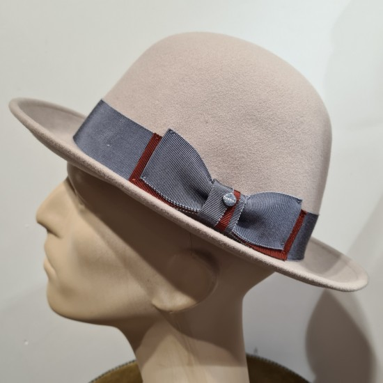 Hat open crown by Stetson