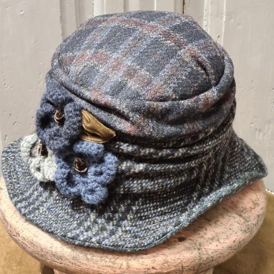 Chapeau cloche Tartan bleu...
