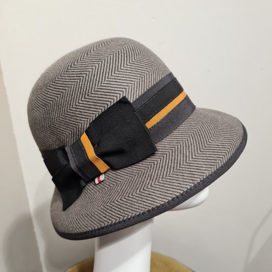 Cloche hat 20s by Bedacht