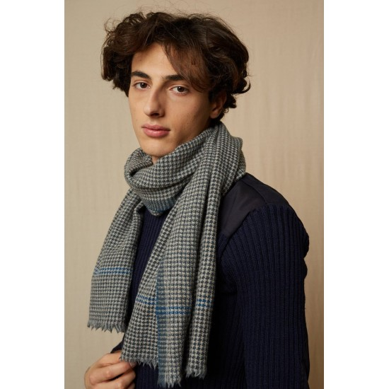 Houndstooth scarf by Moismont